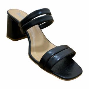 Шлепки женские на устойчивом каблуке из натуральной кожи черного цвета