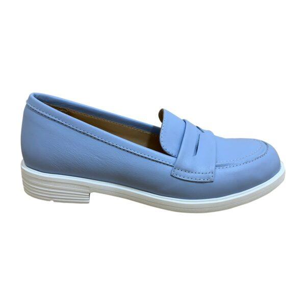 Женские кожаные туфли голубого цвета на облегченной подошве