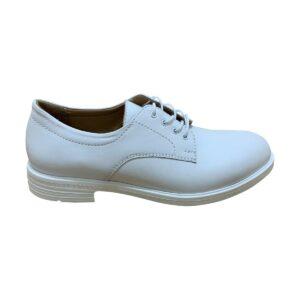 Женские белые кожаные туфли на облегченной подошве