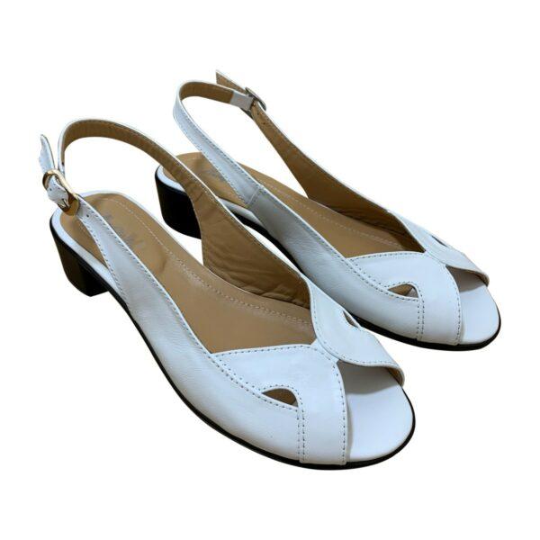 Белые женские кожаные босоножке на удобном каблуке