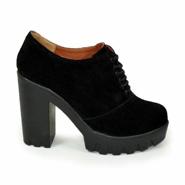 Туфли женские замшевые на тракторной подошве, на шнуровке
