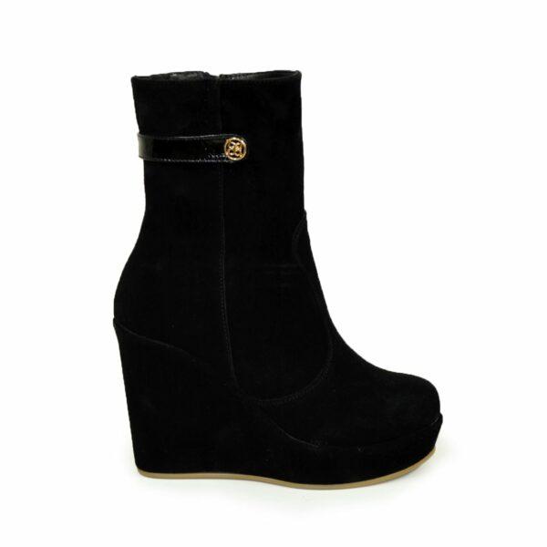 Ботинки черные женские замшевые зимние на устойчивой платформе