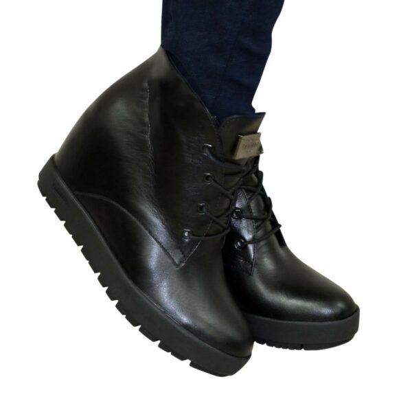 Ботинки зимние кожаные на скрытой платформе