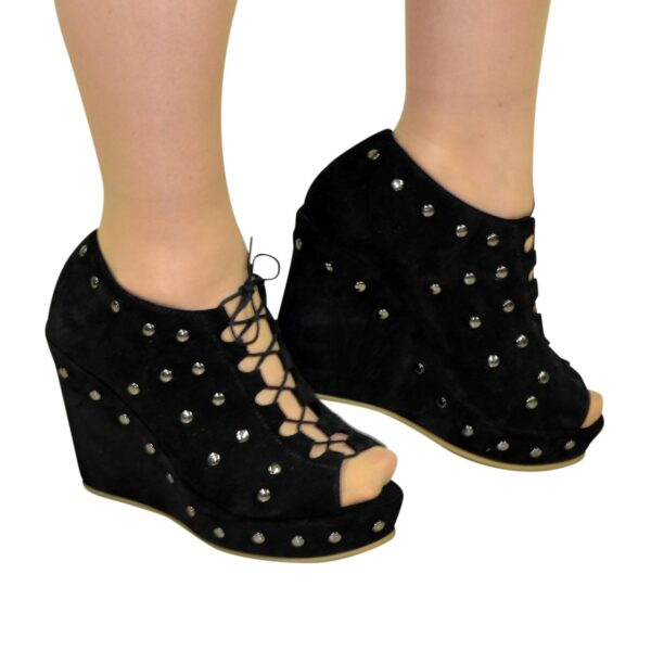 Женские замшевые черные ботильоны на шнуровке