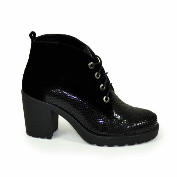 Стильные женские замшевые ботинки зимние на устойчивом каблуке