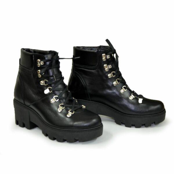 Ботинки женские кожаные демисезонные на шнуровке